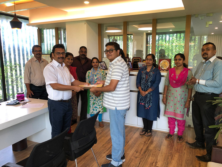 News-Handing_over_of_2C_-_Classic_Vintage_Apartments-190614092018
